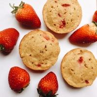 Muffins de fresa, banano y yogurt